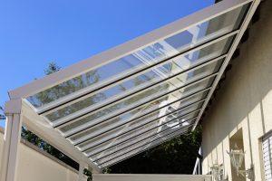 Terrassendach reinigen lassen
